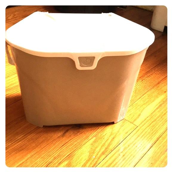 Indoor small compost bin NWT